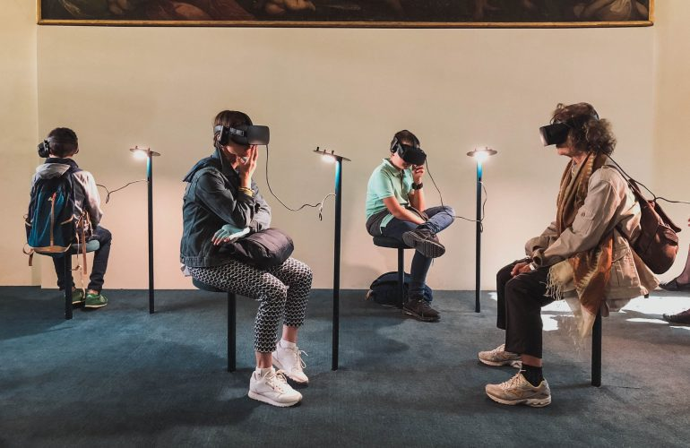 Level Up Your Social Media Marketing By Incorporating Virtual Reality Tour